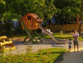 Aire de jeux pour enfants en Auvergne