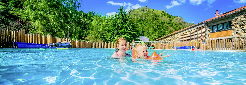 Camping avec piscine auvergne espace aquatique int rieur - Camping lac aiguebelette avec piscine ...