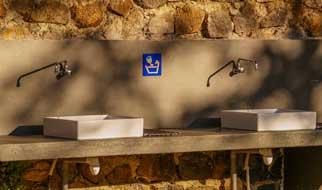 Campingplatz mit Toiletten in der Auvergne