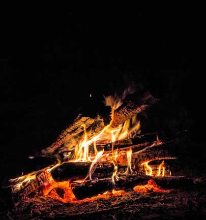 Lagerfeuer und Grillen in der Auvergne