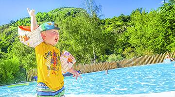 camping avec piscine en auvergne