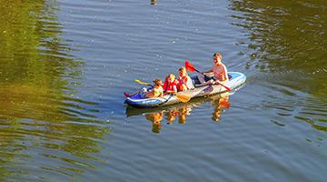 camping en bord de riviere en auvergne