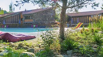 camping avec espace piscine en auvergne