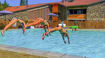 camping avec grande piscine auvergne