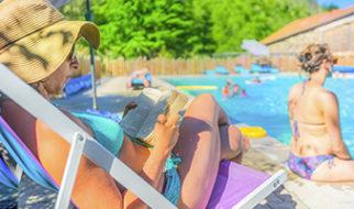 louer dans un camping avec piscine en auvergne