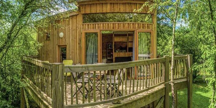 location cabane dans les arbres en famille